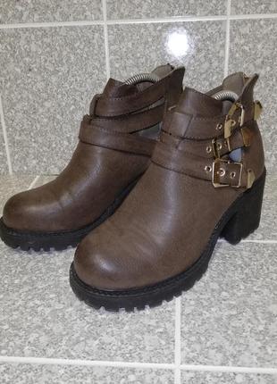 Женские стильные туфли батильоны литы flyfor