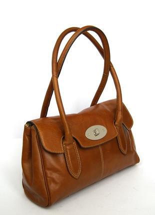 Добротная кожаная сумка на плечо clarks.