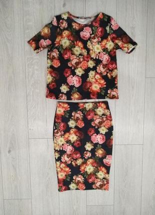 Красивый цветочный костюм топ и юбка неопрен