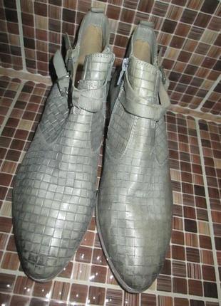 Ботинки tamaris р.39.натур.кожа.оригинал.не ношенные.1 фото