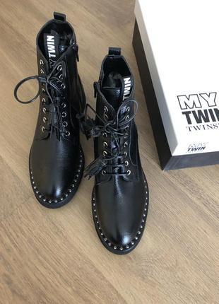 Новые красивые ботинки twin-set