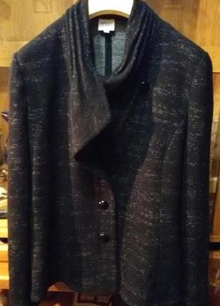 Стильный,удобный пиджак,блейзер armani collezioni,оригинал