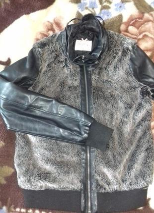 Курточка з хутром