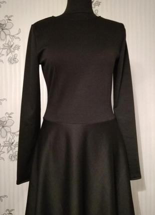 Новое классическое черное трикотажное платье , разные размеры и цвета.