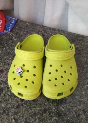 Кроксы шлепанцы crocs