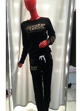 Стильный модный красивый бархатный велюровый костюм из италии