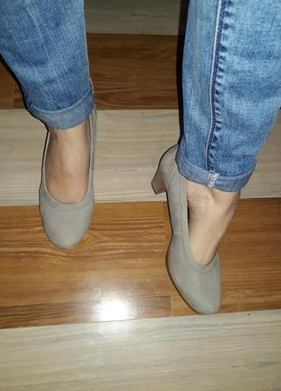 Классические туфли лодочки от gabor 39 размер