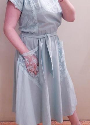 Нежное  платье миди с кружевными карманами