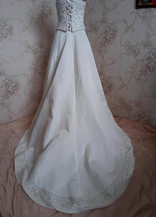 Шикарное платье со шлейфом/бисерное платье/ для фотосесии/ maggi soterra