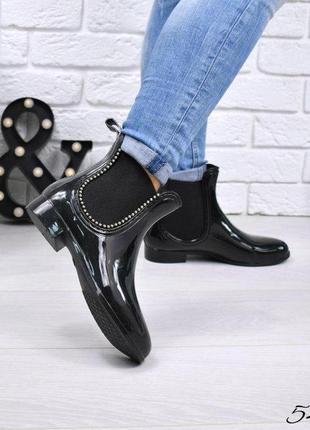 Черные глянцевые резиновые силиконовые сапоги короткие женские