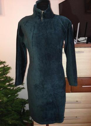 Вельветовое платье-гольф