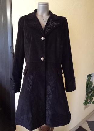 Эксклюзивное велюровое стрейчевое пальто с вышивкой 52-54р