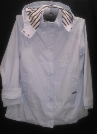 Очень классная куртка ветровка-дождевик
