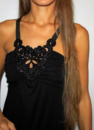 Черное платье с бисером на груди -- красивая спинка!4