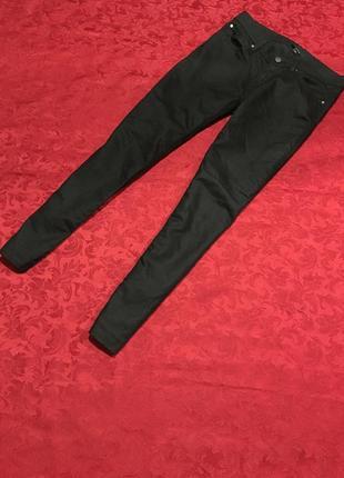 Крутые брюки чёрные с напыление очень модные и качественные как новые2 фото