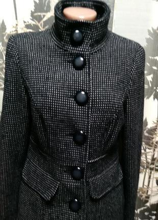 Демисезонное пальто george в идеальном состоянии m2