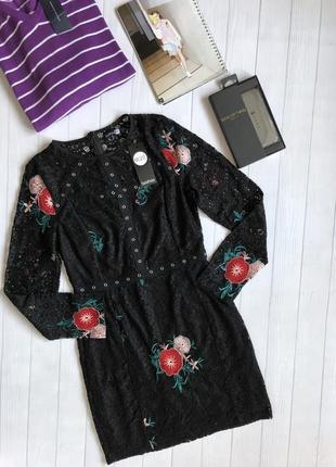 Роскошное кружевное платье с вышивкой1 фото