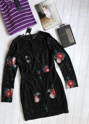 Роскошное кружевное платье с вышивкой2 фото