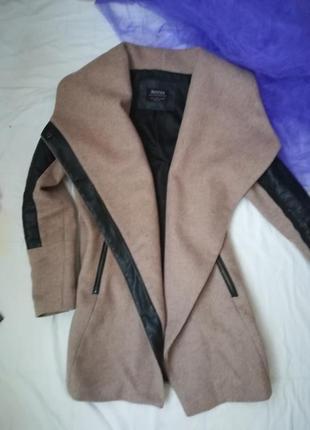 Удивительное пальто-трансформер от bershka2 фото