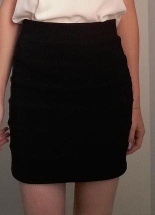 Короткая обтягивающая черная юбка мини резинка1