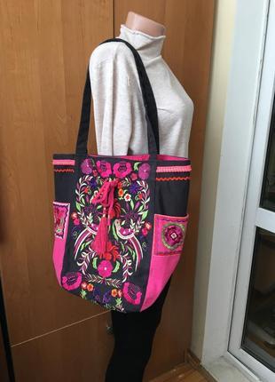Фирменная натуральная большая сумка с вышивкой south