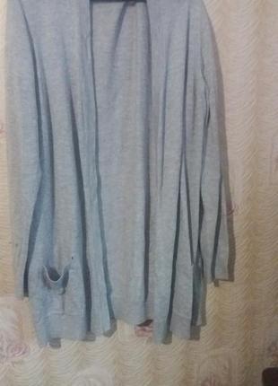 Кардиган вязаный маломерка (пишется что xxl )но можно одевать на l i xl3