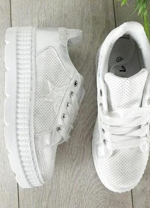 Кроссовки на платформе1
