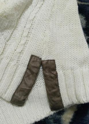Женский вязанный теплый свитер молочного цвета3 фото