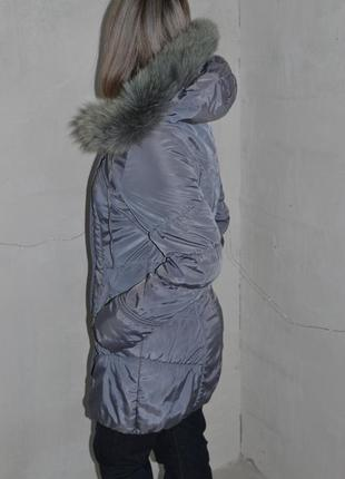 Серый приталенный теплый дутик s-m 42-44р-р2