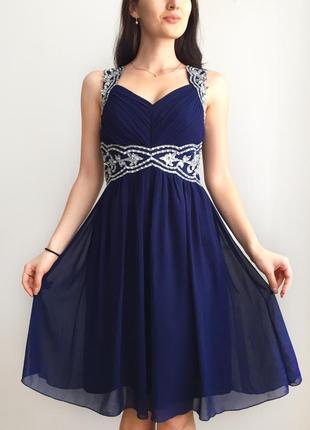 Нарядное вечернее платье с камнями и пайетками quiz1
