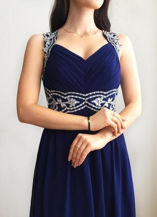 Нарядное вечернее платье с камнями и пайетками quiz2