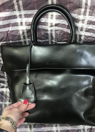 Необычная кожаная сумка с отворотом1