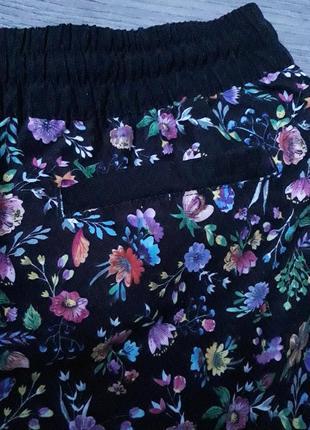 Cпортивные короткие шорты в цветочек4 фото