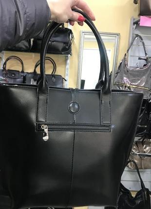 Удобная и аккуратная кожаная сумка3 фото