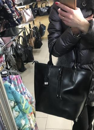 Удобная и аккуратная кожаная сумка4 фото