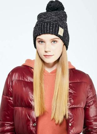 Женская шапка reebok classic1