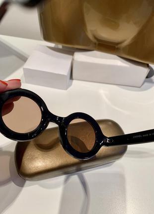 Шикарные полупрозрачные очки подиумная модель4