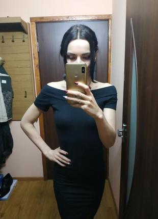 Маленькое чёрное платье1 фото