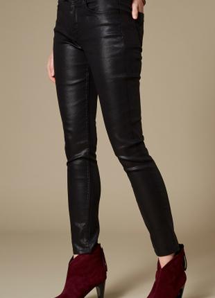 Эффектные джинсы с напыление