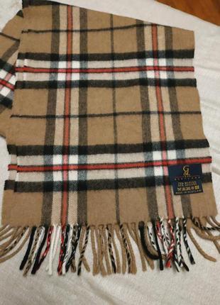 Шотландский шарф   бербери – клетка, имеющая одноименное название с брендом burberry,