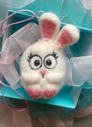 Брелок белый кролик зайчик зая зайка сухое валяние