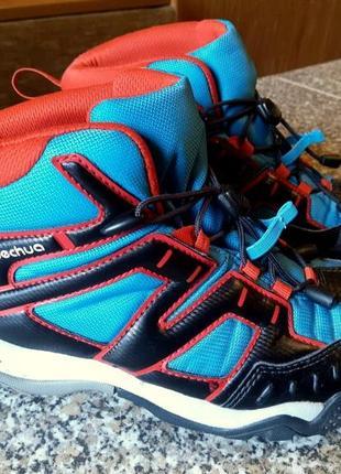 Демисезонные кроссовки ботинки на мальчика  фирмы quechua  crossrock