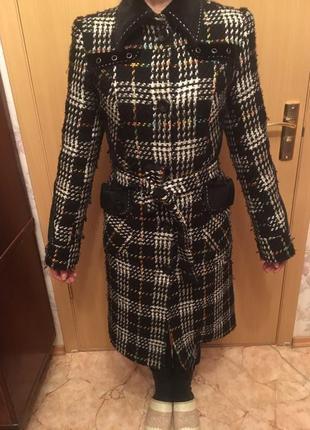 Драповое пальто в клетку модное
