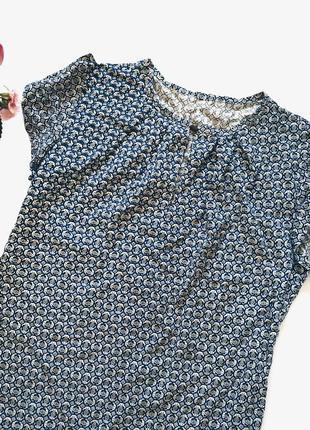 Шикарная новая блуза в узор s-m размер4