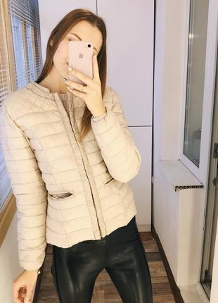 Нюдовая весенняя куртка на синтепоне amisu3
