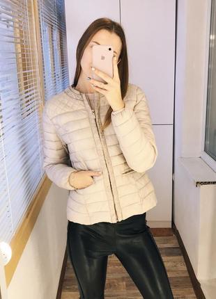 Нюдовая весенняя куртка на синтепоне amisu4
