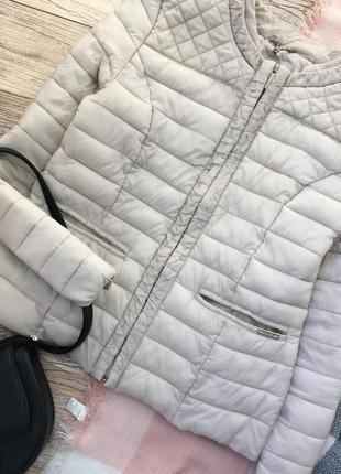Нюдовая весенняя куртка на синтепоне amisu5