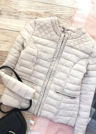 Нюдовая весенняя куртка на синтепоне amisu1