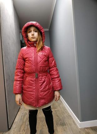 Зимняя куртка пальто розового цвета на девочку 8 (128 см) лет с капюшоном