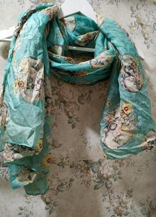 Очень классный,  яркий шелковый шарф с черепами,  снуд,  баф,  платок